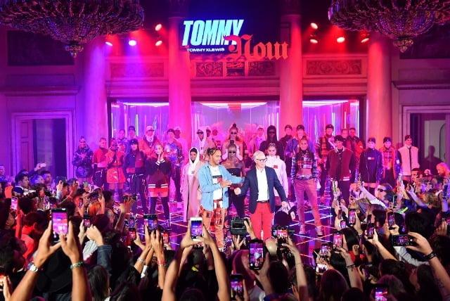 TOMMY HILFIGER SI LEWIS HAMILTON PREZINTA COLECTIA COLABORATIVA TOMMYXLEWIS TOAMNA 2019 IN MILANO