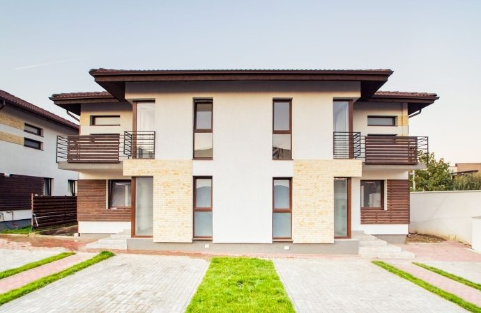 L.A. Residence: vile cu patru camere și teren propriu, în nordul Capitalei, localitatea Tunari (P)