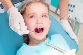 Medicul dentist pentru copii – cum il alegi?
