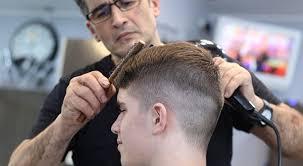 Participa la un curs frizerie si bucura-te de avantajele acestei meserii banoase si care iti permite sa iti faci propriul program