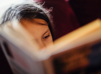 Care sunt cele 5 cărți pe care ar trebui să le citească fiecare copil